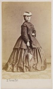 Portret van een vrouw, waarschijnlijk Johanna Henrietta Francina barones van Zuylen van Nijevelt (1844-1914)