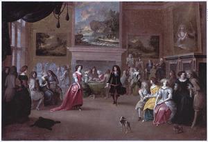 Elegant gezelschap converserend, dansend en kaartspelend in een salon bij de muziek van een strijkkwartet