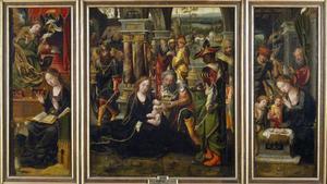 De annunciatie (binnenzijde linkerluik), de aanbidding der wijzen (middenpaneel), de geboorte (binnenzijde rechterluik)