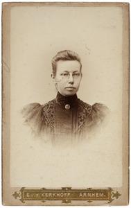 Portret van Isa Cornelia Maria Van der Houven van Oordt (1862-1909)