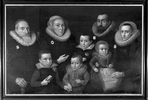 Familieportret van Guillaum Sweerts (1571-), zijn vrouw Gillina van Vlierden (1582-), hun vier kinderen en haar ouders Balthasar van Vlierden (1552-) en Catharina Nieuwels (1548-)