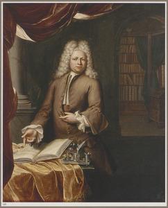 Portret van een man in een studeervertrek