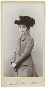 Portret van Elisabeth Catharina Maria Veeren (1882-1918)