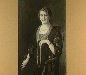 Portret van Anna Christina Maria Helena Hülsmann (1868-1947), echtgenote van Dominicus Antonius Josephus Kessler