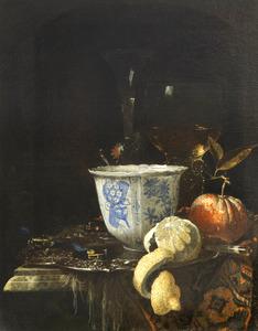 Stilleven met porseleinen kom, glaswerk en vruchten