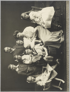 Groepsportret van de familie Alfred Joan Labouchere (1867-1953)