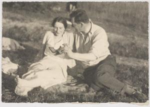 Fiedler en Amrey in de  Provence, 1933