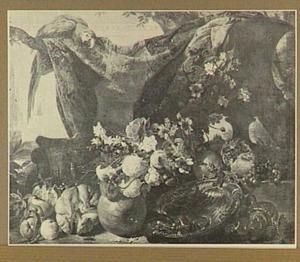 Stilleven van vruchten en bloemen; linksboven een papegaai