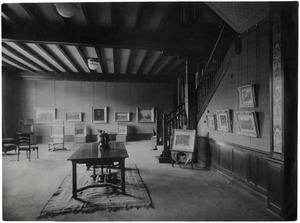 De expositieruimte op de eerste verdieping van Rokin 78-80 in Amsterdam van de kunsthandel E.J. van Wisselingh & Co