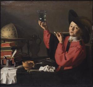 Rokende en proostende jongen bij een globe, boeken en schrijfgerei