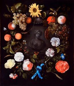 Bloemen- en vruchtenkrans rond een gebeeldhouwde buste