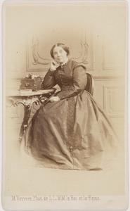 Portret van een vrouw, mogelijk Catharine Frederica Augustina Alexandra gravin van Hogendorp van Hofwegen (1811-1887)