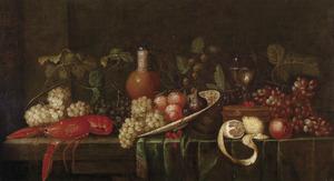 Vruchtenstilleven met een gekookte kreeft, gevulde roemer en stenen kruik