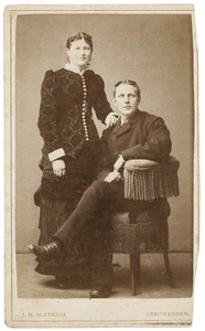 Portret van Abe Jans Heeringa (1862-1908) en Sytske Aukes Ykema (1862-1938)