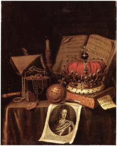 Vanitasstilleven met regalia en portret van koning Willem III (1650-1702)