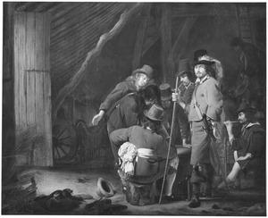 Rokende soldaten in een wachtlokaal