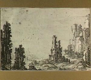 Heuvelachtig rivierlandschap met ruïnes