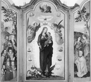 De HH. Johannes de Doper en Maria Magdalena met Johan van Wanroy Utenham (....-1565) en Margaretha de Brouxelles en hun kinderen (links), Maria Onbevlekt Ontvangen omringd door de 'Laudes Marianae' (midden), de HH. Johannes de Evangelist en Cunera met Johannes Ludolphi van Rhenen (rechts)