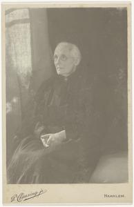 Portret van een vrouw, mogelijk Catharina Dorothea Star Numan (1836-1907)