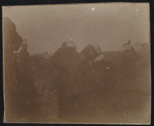 Groep militairen tijdens een militaire manoeuvre