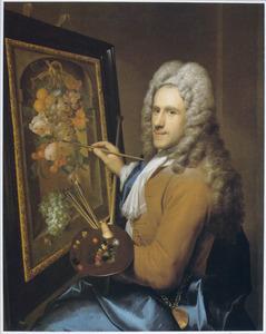 Portret van Coenraet Roepel (1678-1748), werkend aan een vruchtenstilleven