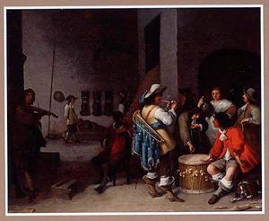 Wachtlokaal met dobbelende soldaten en een violist