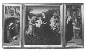 De annunciatie en de geboorte (links), Maria met kind en engelen (midden), de besnijdenis (rechts)