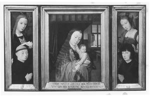 De H. Barbara met stichter (links), Maria met kind (midden), de H. Maria Magdalena met stichter (rechts)