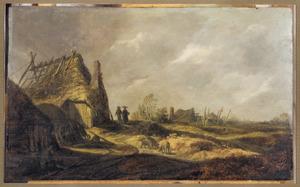 Landschap met weg langs vervallen boerderij
