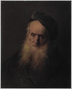 Tronie van een oude man met lange grijze baard en een fluwelen baret op het hoofd