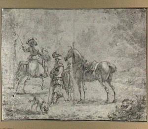 Ruiter die tegen een bal op een paal slaat en twee mannen bij een paard