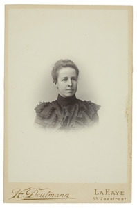 Portret van Sara Maria Johanna van de Poll (1864-1942)