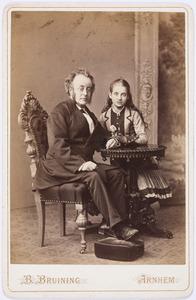 Portret van Hendrikus Cornelis Kips (1827-1882) en Helena Lucia Kips (1866-1928)