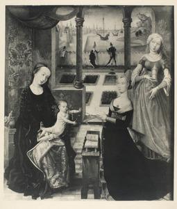 Maria met kind, de H. Maria Magdalena en een vrouwelijke donor