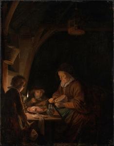 Oude vrouw brood snijdend voor twee jongens bij het licht van een olielamp