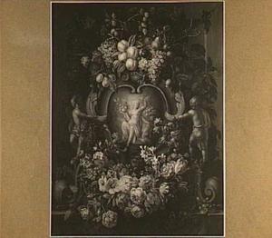Bloemen en vruchten rondom een relief met Ceres