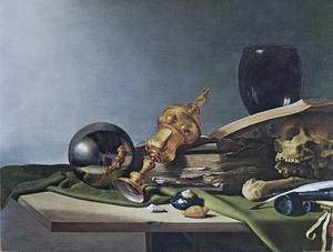 Vanitastilleven met vergulde akeleibeker, met portret van de werkende kunstenaar, gespiegeld in metalen bol