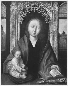 Maria met kind in een interieur met doorkijk op een stad