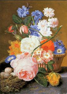 Bloemen in een mand en een vogelnest op een marmeren blad