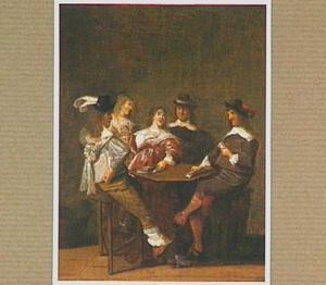 Kaartend gezelschap rondom een tafel