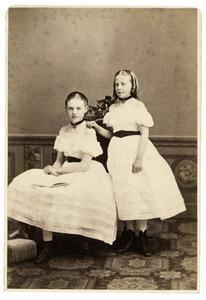 Portret van Marie van Eck (?-?) en Ada van Eck (?-?)