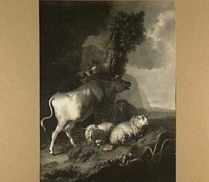 Fluitspelende herdersjongen met een koe en enkele schapen