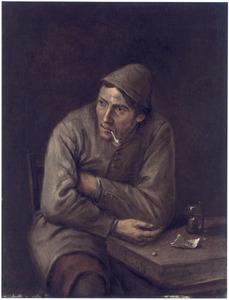 Een roker, zittend aan een tafel
