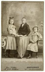 Portret van drie kinderen uit familie Berkhout