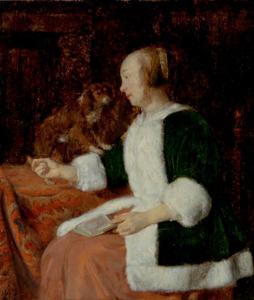 Vrouw met een boek op haar schoot en een hond naast haar