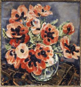 Stilleven met anemonen in glazen vaas