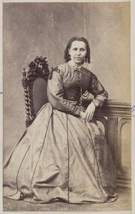 Portret van een vrouw uit familie Wychgram, waarschijnlijk een van de dochters van Claas Wychgram (...-...) en Habbina Catharina Cornelia Knottnerus (...-...)