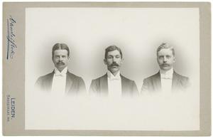 Portret van Willem Jan Mari van Eysinga (1878-1961), Philip Maurits van der Haer (1877-...) en A.J. van Royen (...-...)