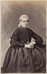 Portret van een jonge vrouw, waarschijnlijk een dochter van J.F. Bosch (...-...)