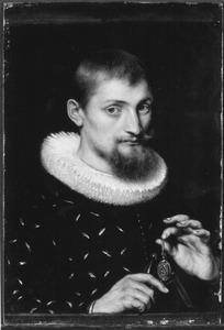 Portret van een onbekende w6-jarige man, mogelijk een architect of een geograaf